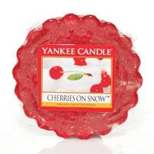 Yankee-Candle-Cherries-on-Snow-wosk-zapachowy-drogeria-internetowa-puderek.com.pl