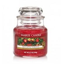 Yankee-Candle-Red-Apple-Wreath-słoik-mały-świeca-zapachowa-drogeria-internetowa-puderek.com.pl