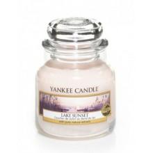 Yankee-Candle-Lake-Sunset-słoik-mały-świeca-zapachowa-drogeria-internetowa-puderek.com.pl