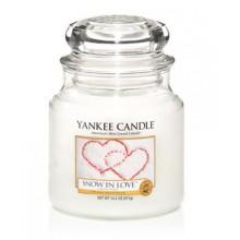 Yankee-Candle-Snow-in-Love-słoik-średni-świeca-zapachowa-drogeria-internetowa-puderek.com.pl